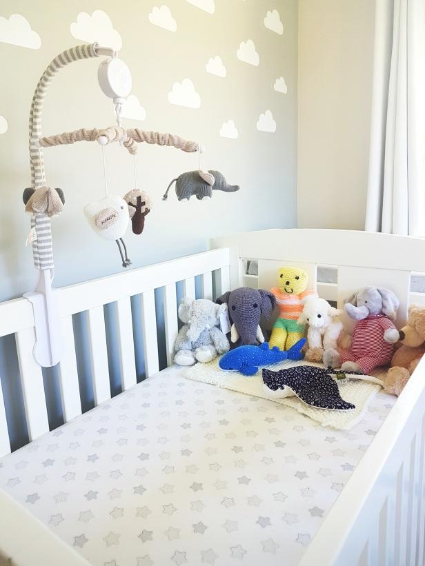 Nursery cot